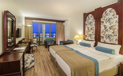 因贝特酒店 - 式 - 庫沙達瑟 - 睡房