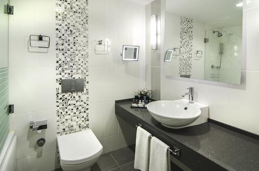 因贝特酒店 - 式 - 庫沙達瑟 - 浴室