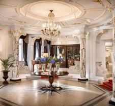 贝耶乌尔宫酒店