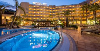 黄金海湾德托萨水疗酒店 - 滨海托萨 - 游泳池