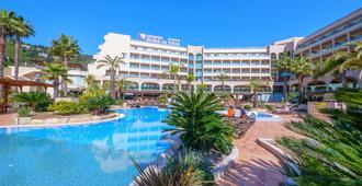 黄金海湾德托萨水疗酒店 - 滨海托萨 - 建筑
