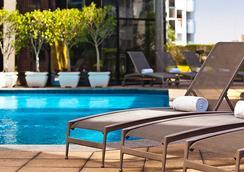 圣保罗文艺复兴万丽酒店 - 圣保罗 - 游泳池