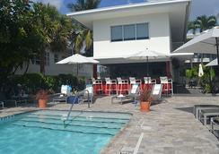 北滩皇家棕榈度假村及Spa度假酒店 - 劳德代尔堡 - 游泳池
