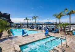 海湾俱乐部酒店和码头 - 圣地亚哥 - 游泳池
