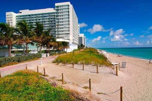 多维尔海滩度假酒店 - 迈阿密海滩 - 海滩