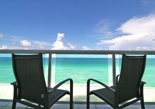 多维尔海滩度假酒店 - 迈阿密海滩 - 阳台