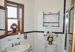 纽约市蓝月亮酒店 - 纽约 - 浴室