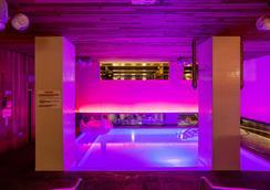 纽约室友酒店 - 纽约 - 游泳池