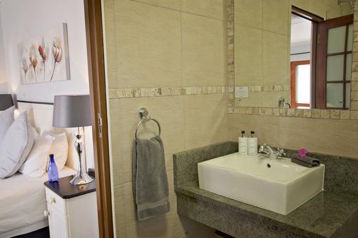 湾边宾馆 - 伊丽莎白港 - 浴室
