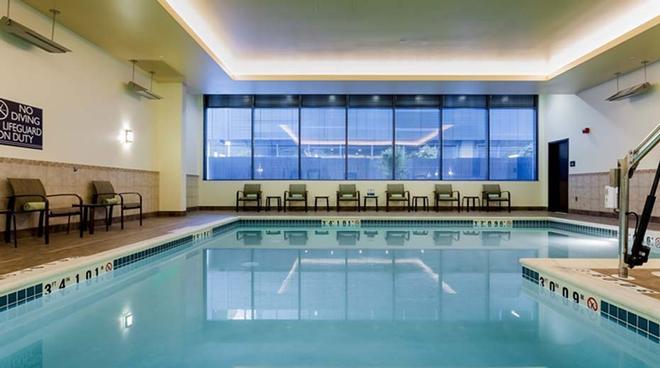 西雅图市中心华盛顿希尔顿花园酒店 - 西雅图 - 游泳池