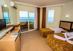 Kleopatra Beach Hotel - 阿拉尼亚 - 睡房