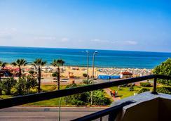 Kleopatra Beach Hotel - 阿拉尼亚 - 海滩