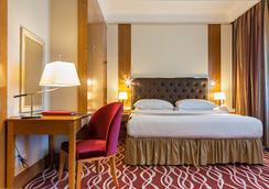 阿斯塔纳华美达酒店 - 阿斯塔纳 - 睡房
