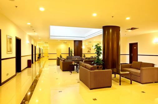 伦敦套房酒店 - 迪拜 - 休息厅