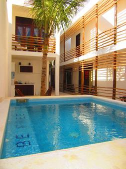 拉提诺酒店 - 图卢姆 - 游泳池
