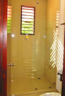 拉提诺酒店 - 图卢姆 - 浴室