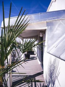 巴黎布列塔尼大区阿祖雷瓦酒店 - 巴黎 - 阳台