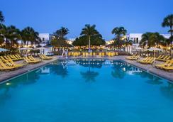 海滩明信片旅馆 - 圣彼得海滩 - 游泳池
