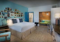 海滩明信片旅馆 - 圣彼得海滩 - 睡房