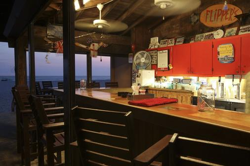 海豚滩度假酒店 - 圣彼得海滩 - 酒吧