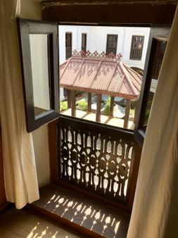 保利娜3室酒店 - 加德满都 - 阳台