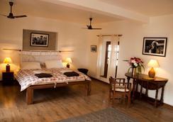 保利娜3室酒店 - 加德满都 - 睡房