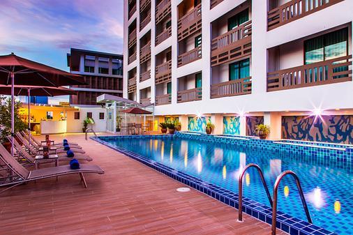 枫叶酒店 - 曼谷 - 游泳池