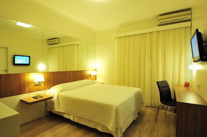 荣耀酒店 - 布卢梅瑙 - 睡房