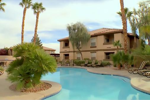 沙漠天堂胜地钻石度假公寓式酒店 - 拉斯维加斯 - 游泳池
