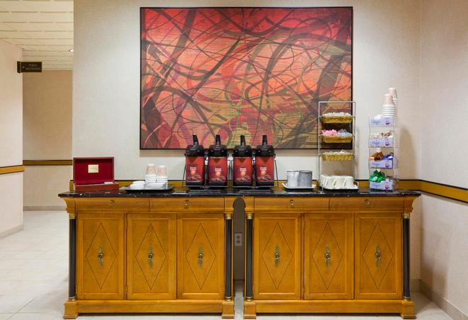 阿普尔顿 - 福克斯河商城格兰德斯黛酒店 - 阿普尔顿 - 食物