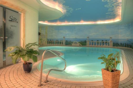 奥斯特西阿尔贝克西特尔酒店 - 塞巴特黑灵斯多夫 - 游泳池