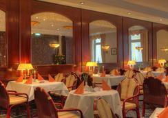 阿尔贝克奥斯酒店 - 塞巴特黑灵斯多夫 - 餐馆
