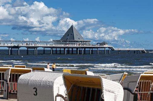 珀摩尔霍夫斯特尔酒店 - 塞巴特黑灵斯多夫 - 海滩