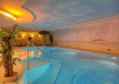 阿尔贝克霍夫斯特尔酒店 - 塞巴特黑灵斯多夫 - 游泳池