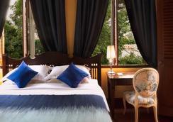 滨海皇宫酒店 - 曼谷 - 睡房