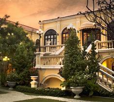 普拉亚帕拉佐酒店
