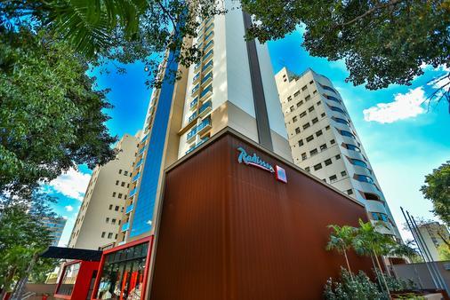 雷迪森红坎皮纳斯酒店 - 坎皮纳斯 - 建筑