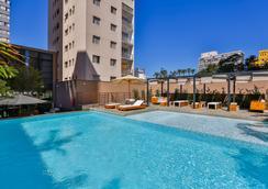 雷迪森红坎皮纳斯酒店 - 坎皮纳斯 - 游泳池