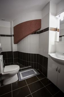 安博夏套房公寓酒店 - 雅典 - 浴室