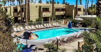 Desert Vacation Villas, A Vri Resort - 棕榈泉 - 游泳池