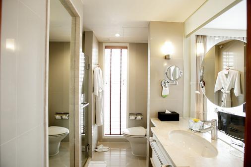 曼谷万怡酒店 - 曼谷 - 浴室