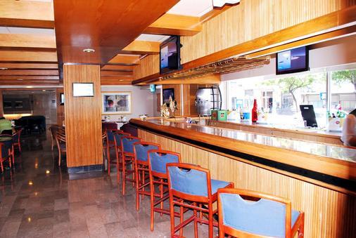 蒙特雷历史旅游酒店 - 蒙特雷 - 酒吧