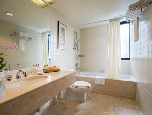 察殿曼谷沙吞公寓酒店 - 曼谷 - 浴室