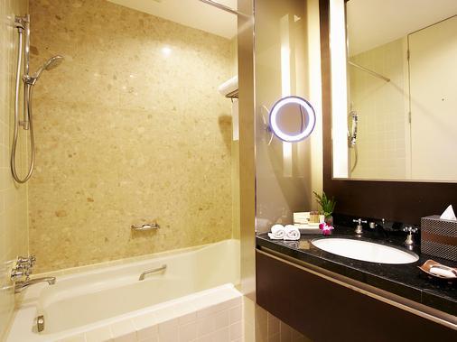 察殿恩博利豪华酒店 - 曼谷 - 浴室