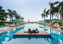 橡树河畔曼谷酒店 - 曼谷 - 游泳池