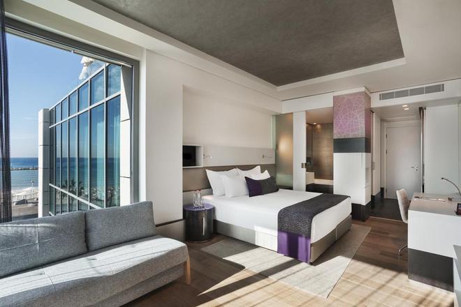 皇家海滩特拉维夫伊斯洛特酒店 - 特拉维夫 - 睡房