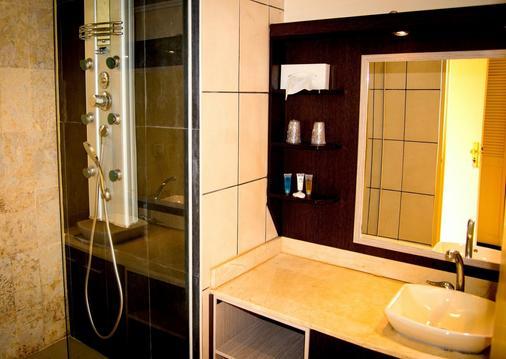 卡内拉海滩酒店 - 戈齐尔 - 浴室