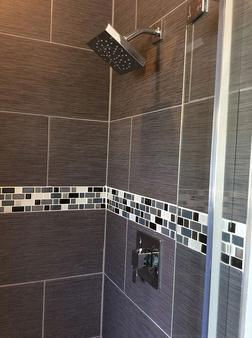 杜瓦尔花园酒店 - 基韦斯特 - 浴室