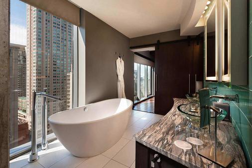 戴纳温泉酒店 - 芝加哥 - 浴室