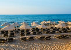 阿奇塔起居温泉酒店 - 赫索尼索斯 - 海滩